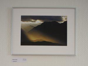 Landschaftsfoto in weißem Passepartout in einem Alurahmen